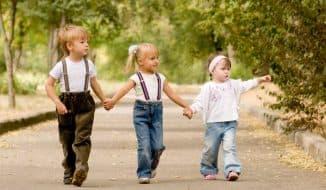 трое детей в семье