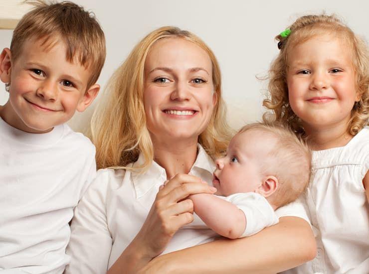 Помощь многодетной матери одиночке от государства